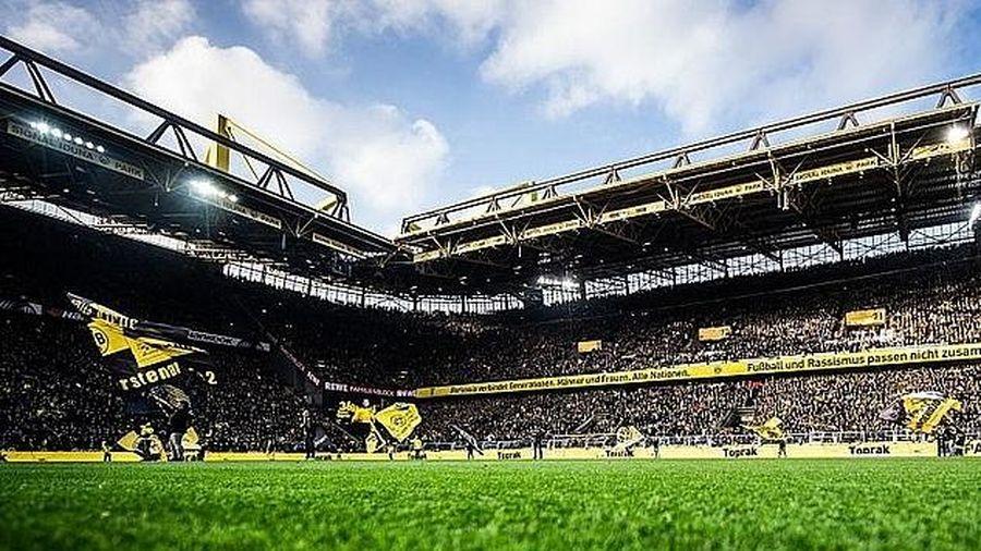 Bundesliga đón khán giả trở lại sân trong ngày khai màn mùa giải mới