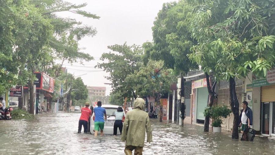 Mưa lớn, Thành phố Hà Tĩnh 'biến' thành sông