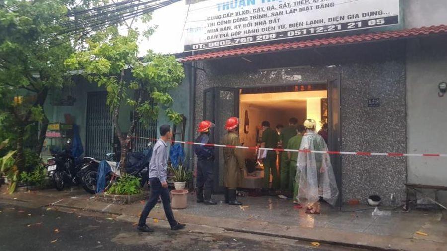 Cháy nhà lúc rạng sáng, 3 người trong gia đình may mắn thoát chết