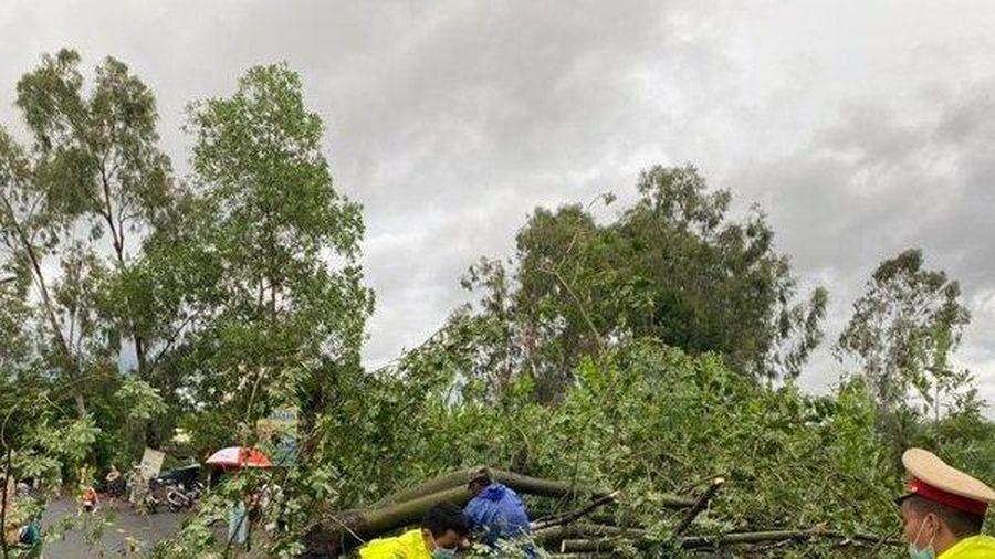 Đà Nẵng: Ngập lụt cục bộ, sét đánh vang trời trước bão số 5
