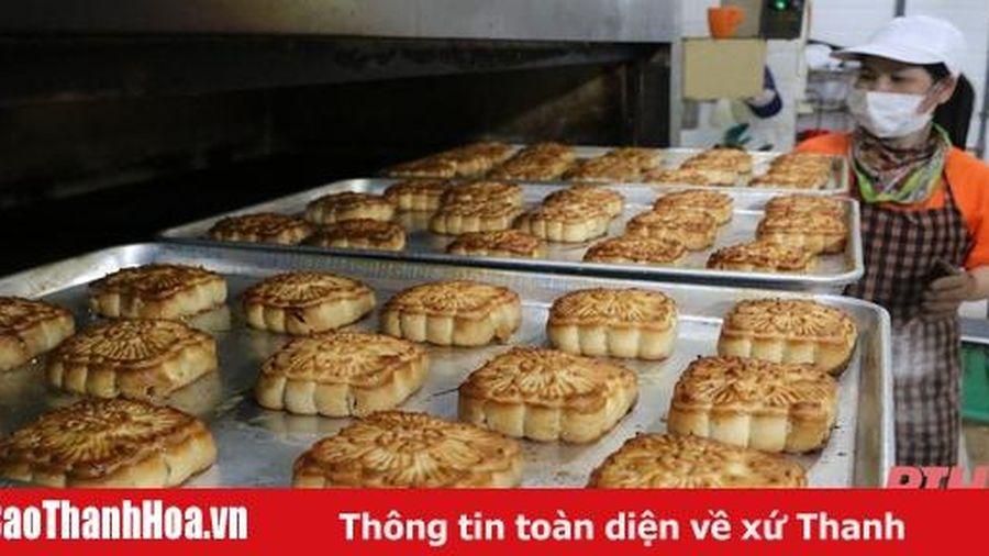 Cơ sở làm bánh truyền thống 'chạy đua' dịp Tết Trung thu