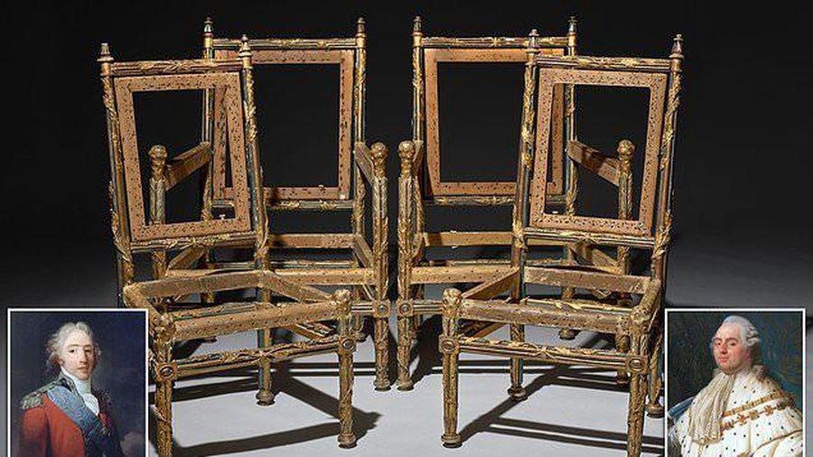 Bí mật 4 chiếc ghế hơn 300 tuổi của Vua Pháp làm cho em trai