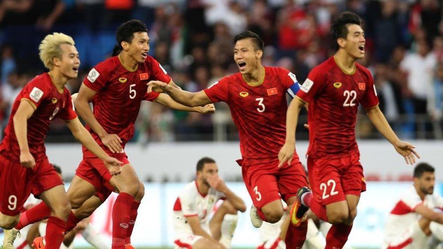 Tuyển Việt Nam vượt Thái Lan 20 bậc trên bảng xếp hạng FIFA