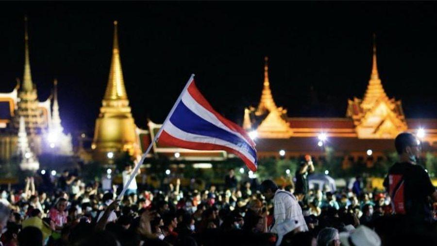 Biểu tình lớn đòi cải cách hiến pháp tiếp tục nổ ra ở Thái Lan
