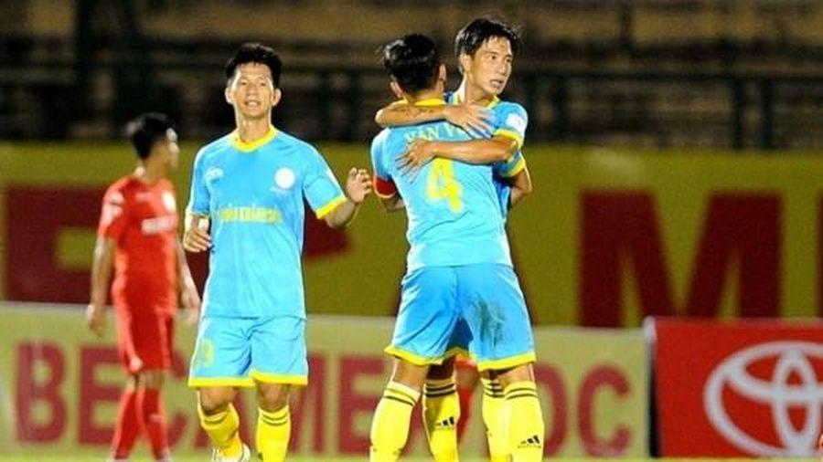 Câu lạc bộ TP HCM mua 3 trụ cột của Sanna Khánh Hòa