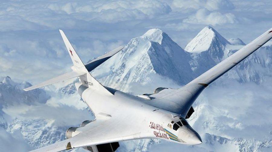 Bay 20.000 km trong hơn 25 giờ, Tu-160 Nga phá kỷ lục thế giới