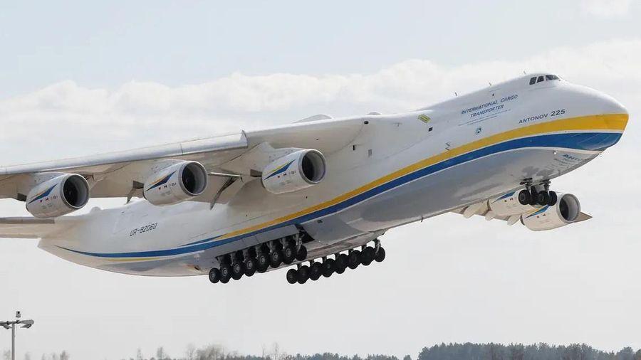 Chiếc máy bay nặng nhất bầu trời