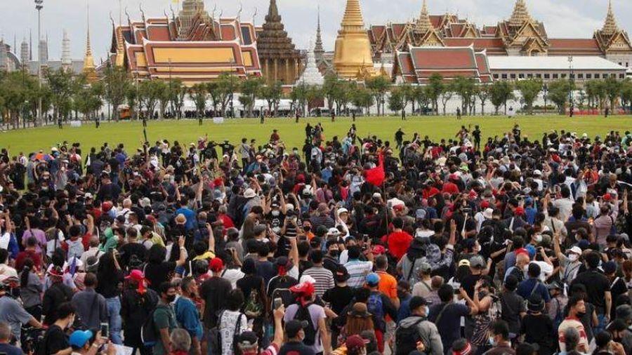 Thái Lan: Biểu tình quy mô lớn nhất trong nhiều năm, yêu cầu cải cách chế độ quân chủ
