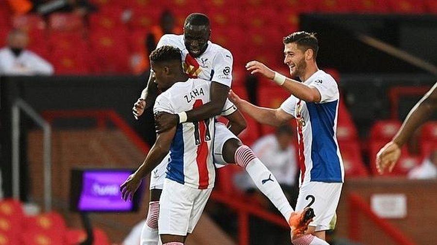 M.U thua sốc ngay trên sân nhà trước Crystal Palace