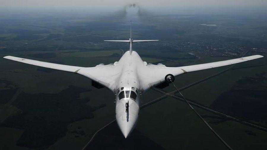 Bay 25 giờ không nghỉ, 'Thiên nga trắng' Tu-160 Nga lập kỉ lục thế giới