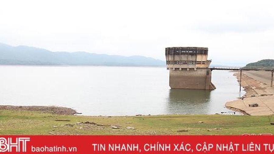 Các hồ chứa ở Hà Tĩnh vẫn 'đói nước' sau đợt mưa lớn