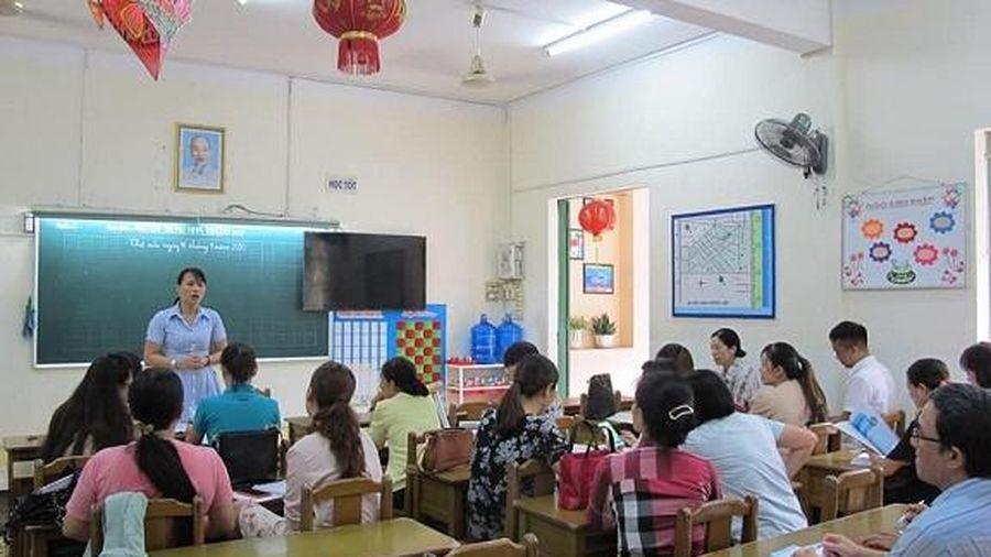 Bồi dưỡng chương trình giáo dục phổ thông mới cho giáo viên tiểu học