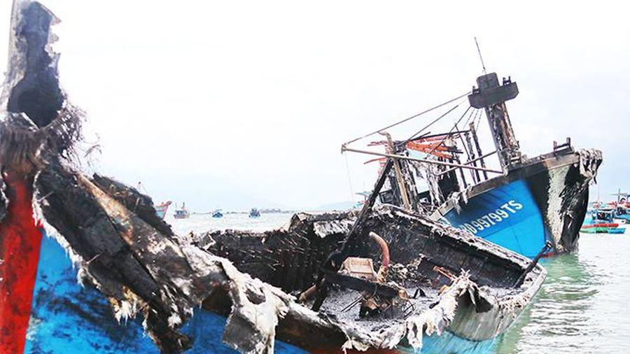 Điều tra vụ cháy 3 tàu đánh cá