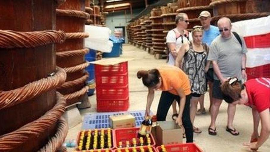 Gian nan nước mắm truyền thống Việt đi ra thị trường thế giới