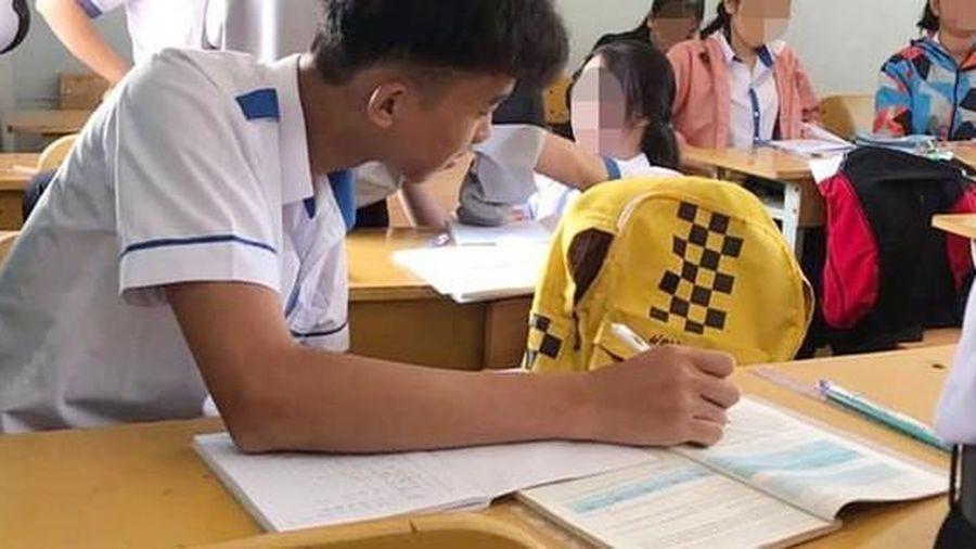 Khi bạn ngồi cạnh nghỉ học mà cô giáo lại bắt thảo luận theo cặp, nam sinh có pha xử lý khiến ai nấy cười bò