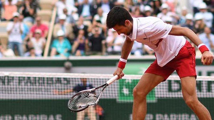 'Vua đất nện' bị loại, Djokovic thừa nhận chưa hoàn hảo
