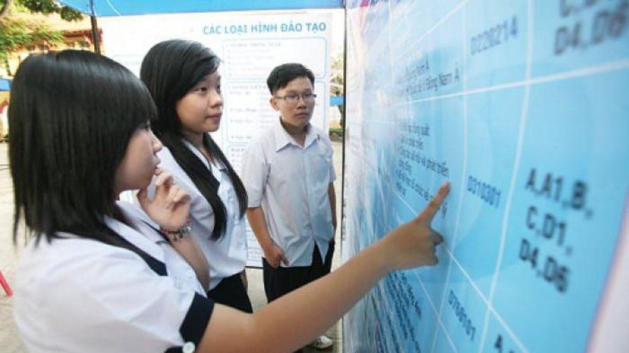 Nhiều trường đại học lớn công bố điểm sàn xét tuyển