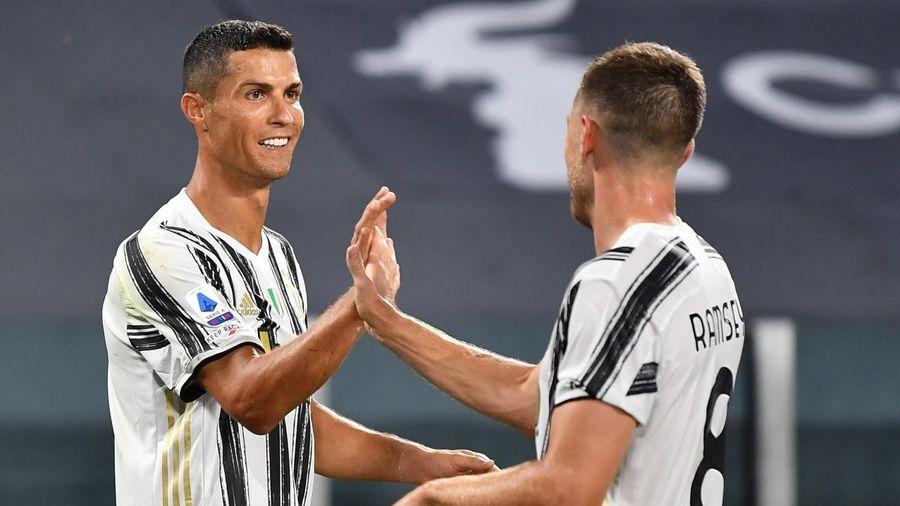 Ronaldo rực sáng, Juventus thắng tưng bừng trận ra mắt của HLV Pirlo