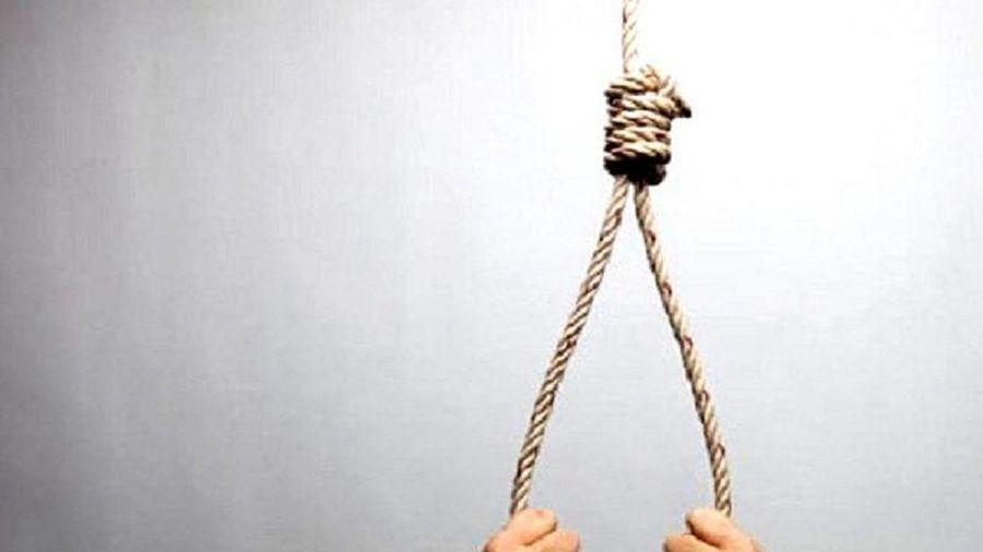 Cha tự tử vì cuộc sống bế tắc, để lại vợ cùng 2 con nhỏ