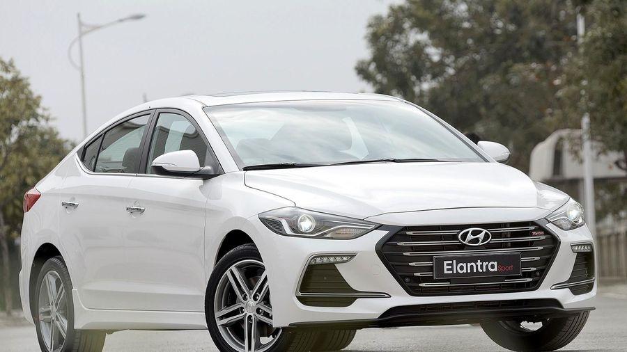 Bản cập nhật phần mềm của Hyundai Elantra tại VN gây tranh cãi