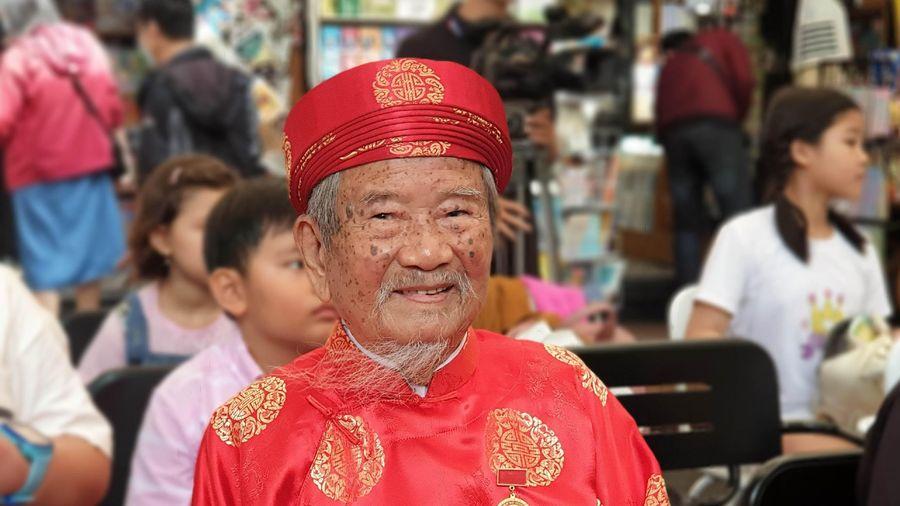Tình yêu sử Việt của tác giả tiểu thuyết 'Loạn 12 sứ quân'