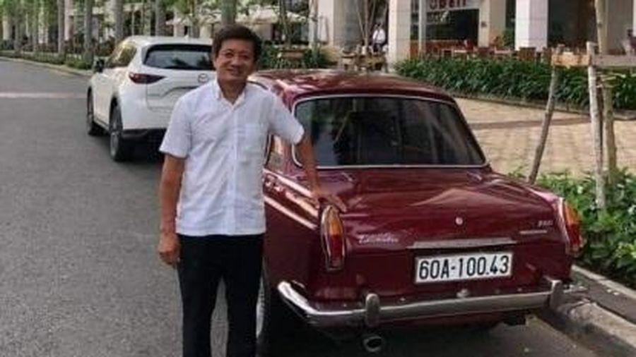 Doanh nhân Hải Dương mua xe cổ và 4 chiếc áo đấu của ông Đoàn Ngọc Hải