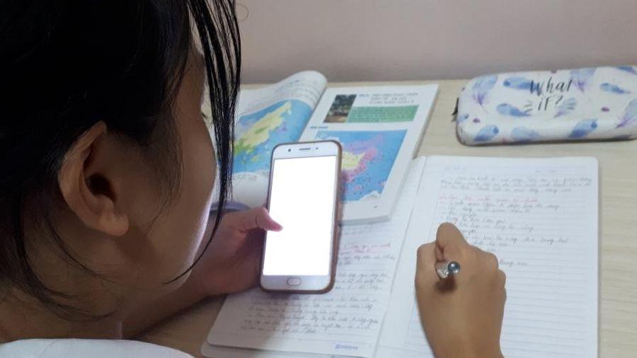 Làm rõ quy định 'cho phép học sinh dùng điện thoại trong giờ học'