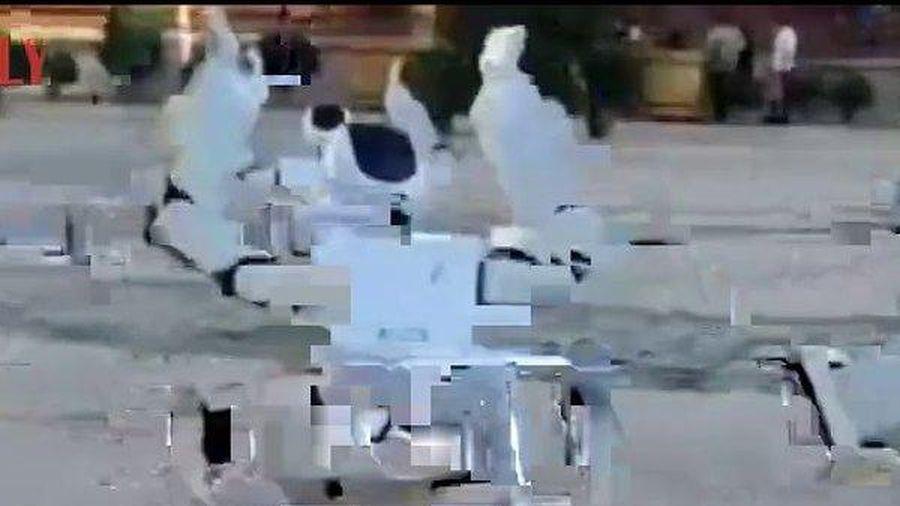Clip: Màn nhảy múa đặc biệt của những chú robot chào đón tân sinh viên ở Trung Quốc
