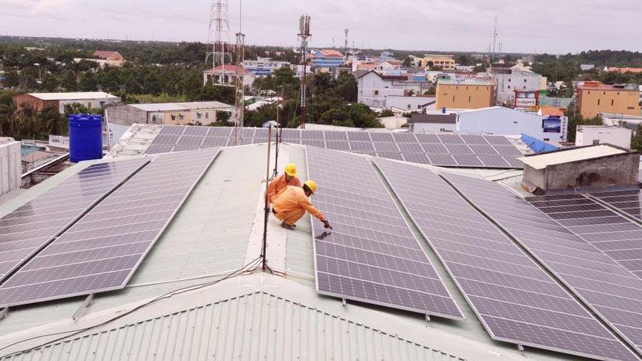 EVN Miền Nam: Hoàn thành vượt 100% kế hoạch được giao trong việc phát triển điện mặt trời áp mái