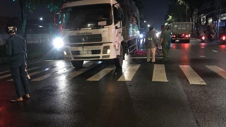 Va chạm xe tải trên đường về nhà, người vợ chết tức tưởi