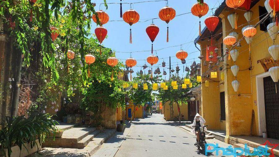 Quảng Nam: Phố cổ Hội An đón khách trở lại, giảm 50% giá vé
