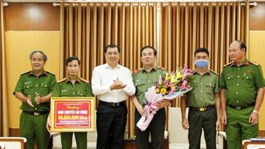 Đà Nẵng khen thưởng vụ triệt phá đường dây đánh bạc 3.000 tỷ đồng qua mạng