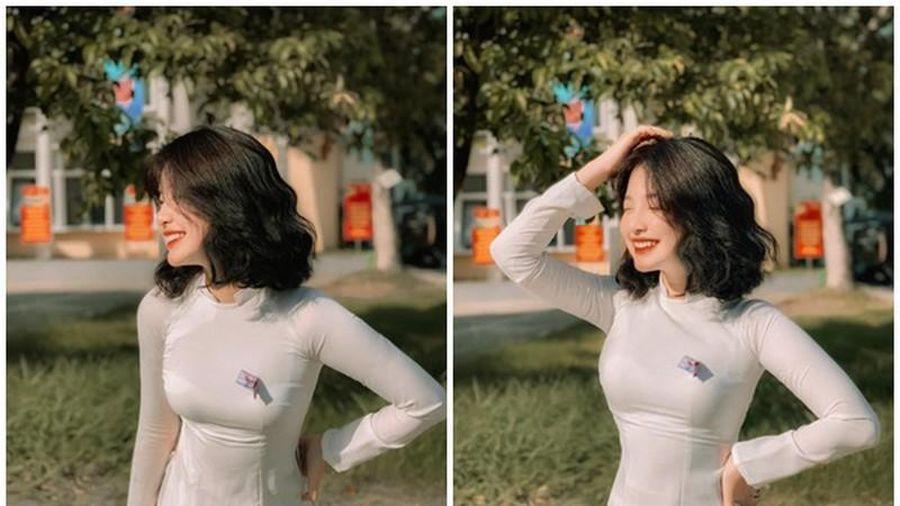 Tóc ngắn cá tính diện áo dài trắng, nữ sinh 10X 'đoạt hồn' dân tình