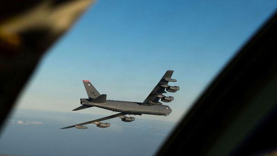 Tiêm kích Su-27 của Nga đột nhập không phận NATO, 'ẩn mình' sau máy bay ném bom Mỹ