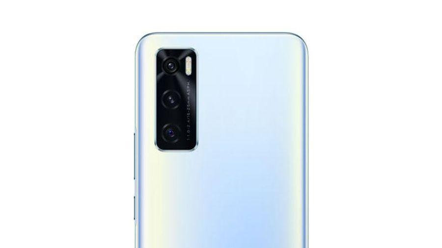 Smartphone RAM 8 GB, pin 4.100 mAh, sạc 33W, giá 6,67 triệu