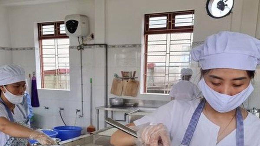 Nhà trường và phụ huynh cùng nỗ lực đảm bảo an toàn bữa ăn bán trú