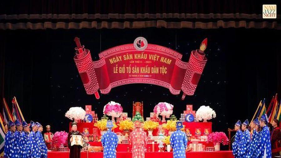 Nhiều thế hệ nghệ sĩ tham dự lễ Giỗ tổ Sân khấu dân tộc