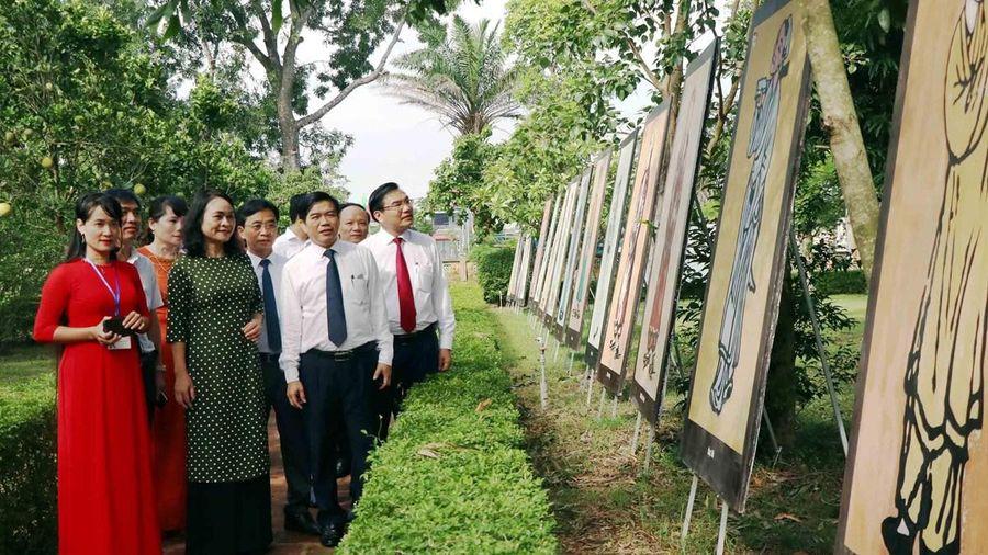 Triển lãm tranh minh họa Truyện Kiều và các tác phẩm tiêu biểu của Nguyễn Du