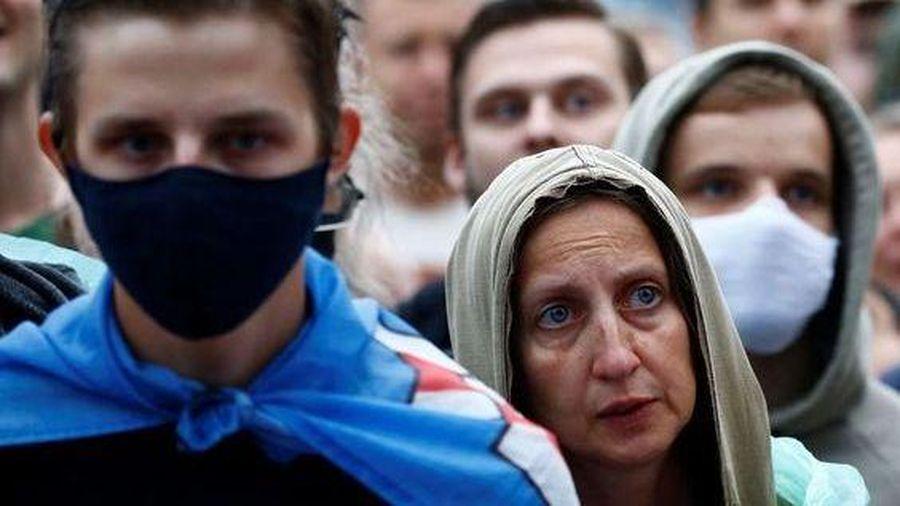Tổng thống Ukraine cảnh báo bạo lực ở Belarus, hủy chuyến thăm vào tháng 10