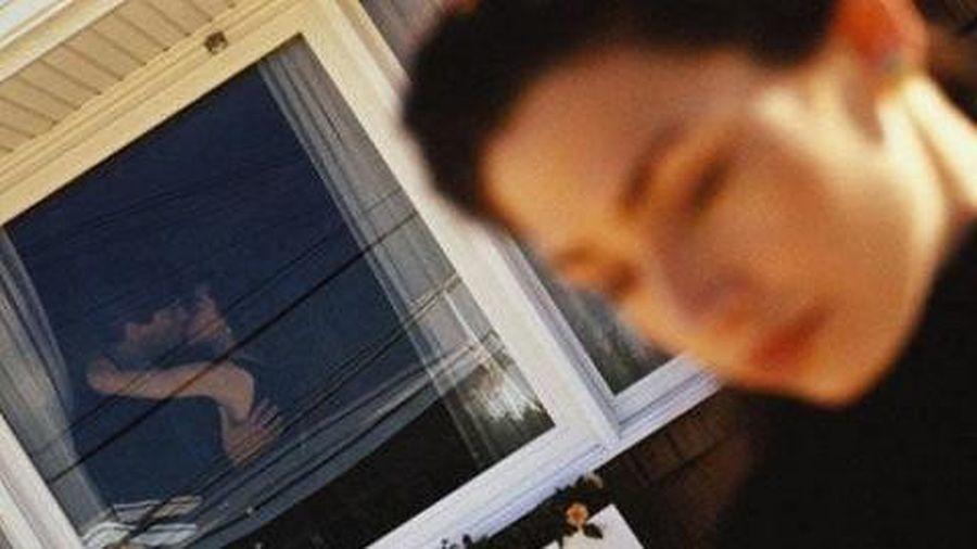 Vợ khóc nghẹn nhìn chồng bất chấp lao 'như thiêu thân' vào cuộc tình với bà chủ trẻ
