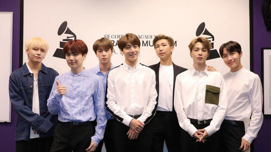 Công ty chủ quản Big Hit Entertainment vừa mạnh tay xử lý các hành vi phỉ báng BTS hứa sẽ bảo vệ đanh dự của gà nhà
