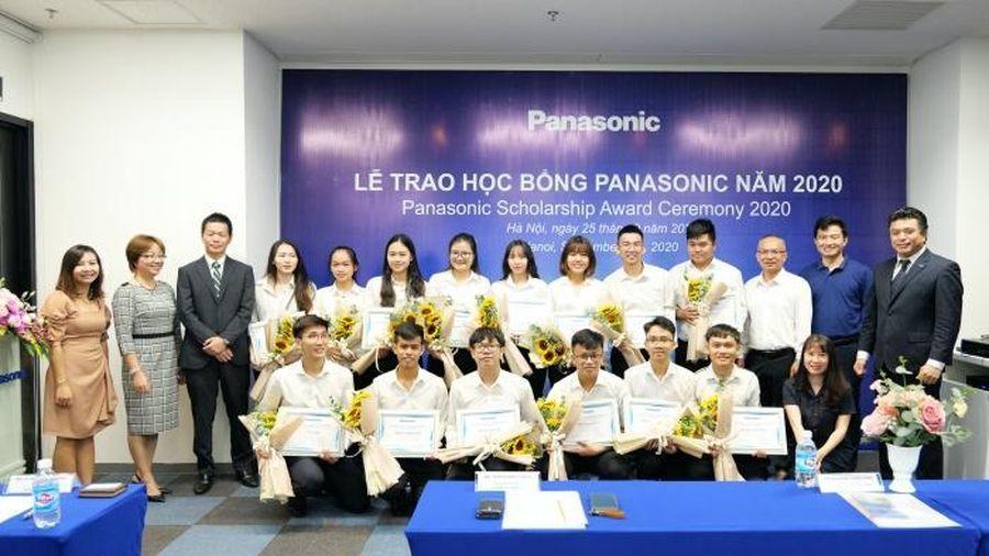 Panasonic trao tặng 15 suất học bổng cho sinh viên tài năng trên toàn quốc