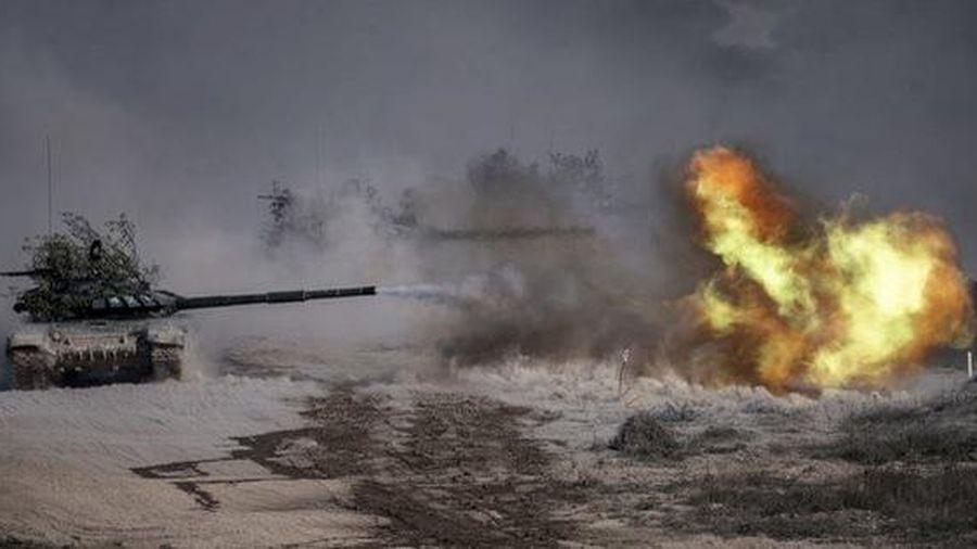 24h qua ảnh: Siêu xe tăng của quân đội Nga khai hỏa khi tập trận