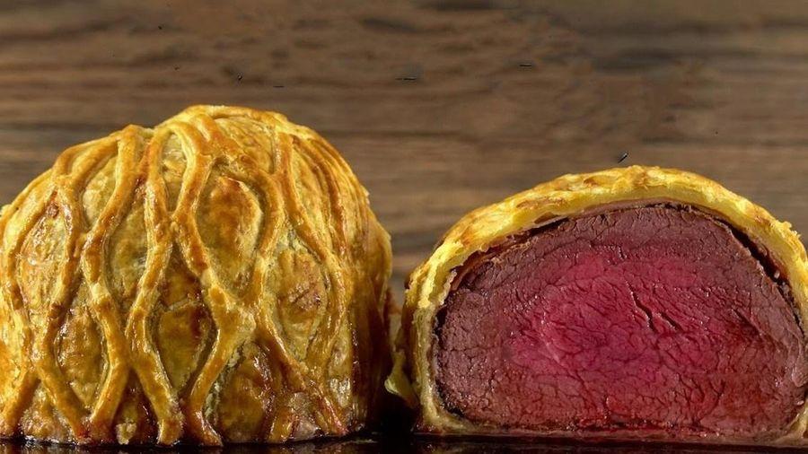 Món bò Wellington giá 1.000 USD