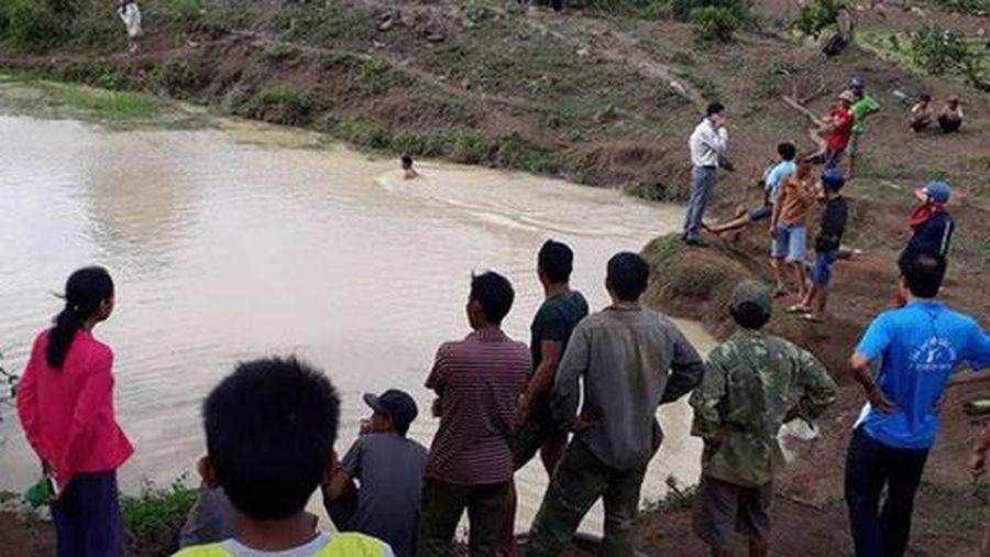 Ba học sinh bị đuối nước