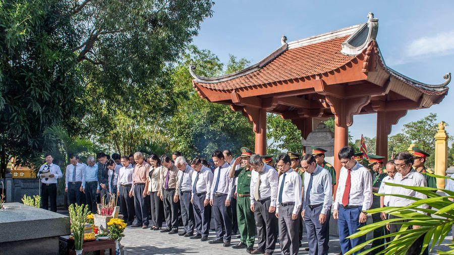 Tưởng nhớ Danh nhân văn hóa thế giới - Đại thi hào Nguyễn Du