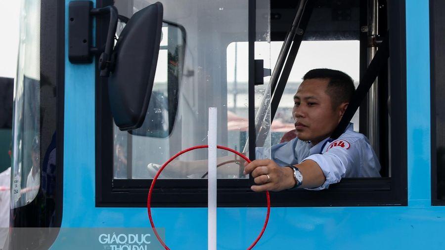 Tài xế xe buýt tranh tài