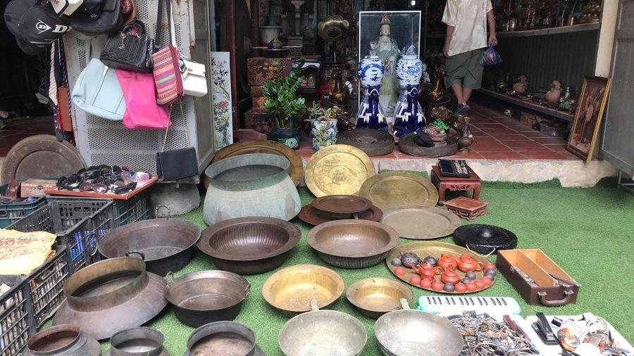 Một lần ghé thăm chợ phiên đồ cũ giữa lòng Hà Nội