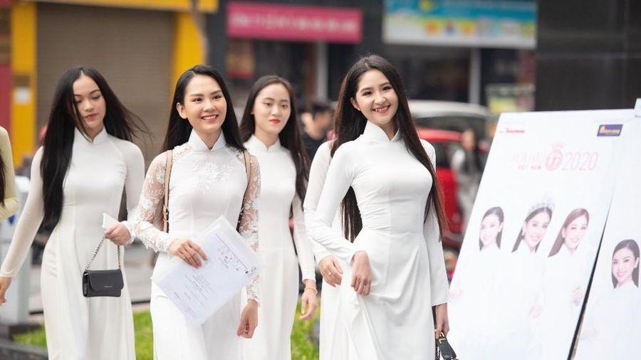 Trưởng BGK Hoa hậu Việt Nam 2020 nói gì sau nửa ngày vòng sơ khảo phía Nam?
