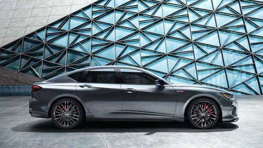 Sedan động cơ V6, giá 1,159 tỷ đồng, cạnh tranh với BMW 3 Series, Mercedes-Benz C-Class